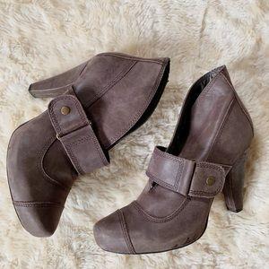 Anthropologie Seychelles Brown Leather buckle